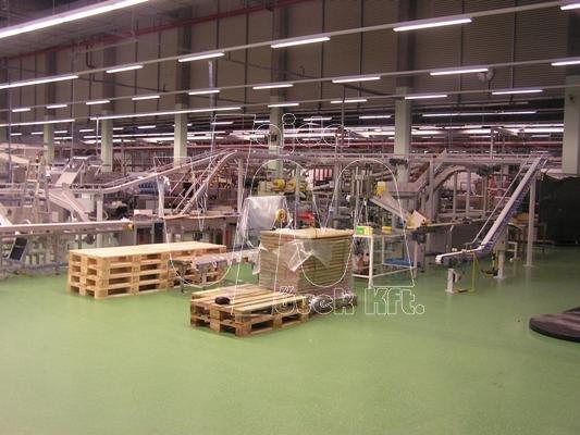 Műanyagtagos szállítópálya